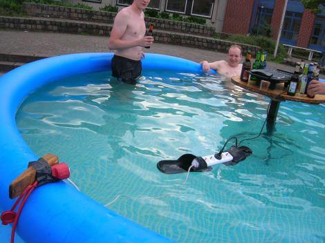 Pool, Strom und Wasser